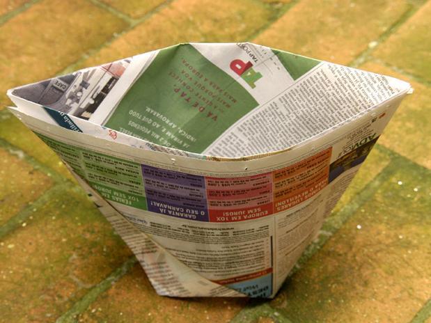 lixo com jornal 9