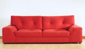 sofá retrátil vermelho