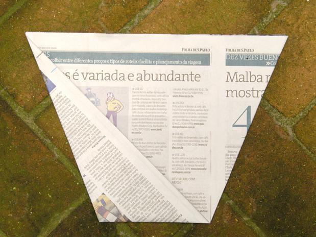 lixo com jornal 8